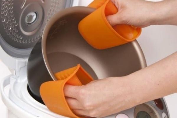 как мыть чашу мультиварки