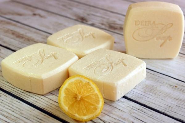 лимон и хозяйственное мыло для чистки