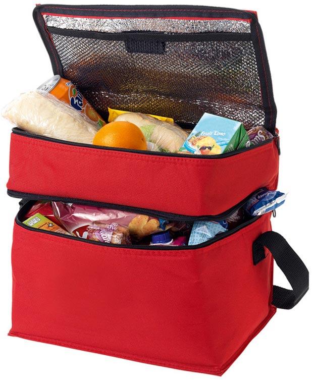 продукты в сумке холодильнике