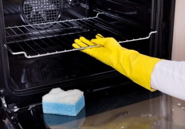 подготовка к чистке духовки