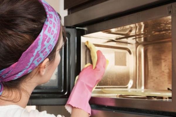 как быстро помыть микроволновку