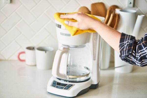 как помыть корпус кофеварки