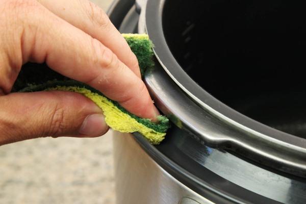 как помыть корпус мультиварки