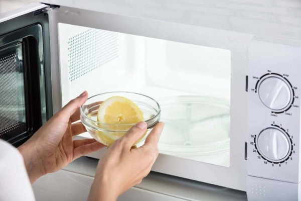 лимонный сок с водой для чистки