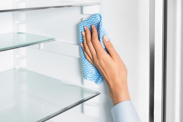 вымойте холодильник