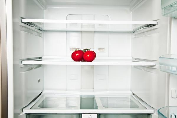 вытащить продукты из холодильника