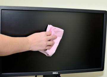 13 способов, как почистить монитор компьютера и ноутбука в домашних условиях