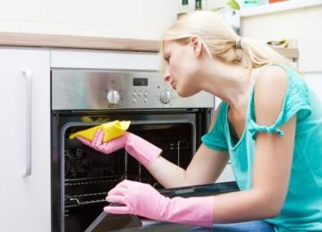 13 надежных и простых рецептов, как почистить газовую духовку в домашних условиях