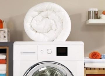 Как правильно стирать синтепоновое одеяло в стиральной машине автомат и в ручную