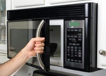 6 способов, как быстро отмыть микроволновку от жира внутри в домашних условиях