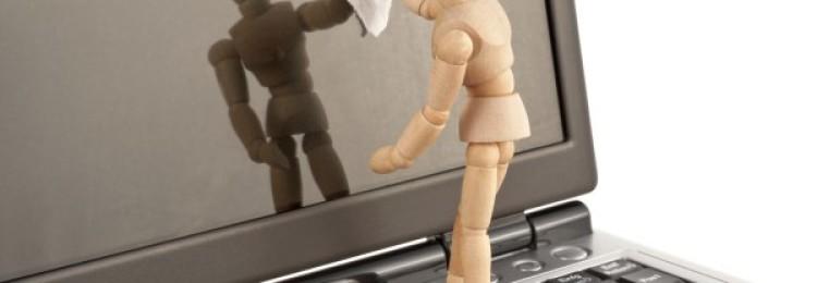 Как почистить экран ноутбука в домашних условиях
