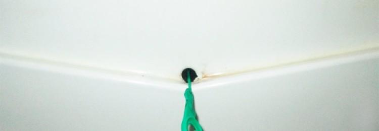 Простые способы, как почистить дренажное отверстие в холодильнике своими руками