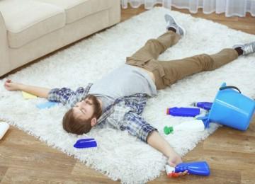 10 надежных методов, как убрать запах с ковра в домашних условиях