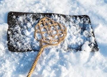 Простые инструкции, как правильно почистить ковер на снегу