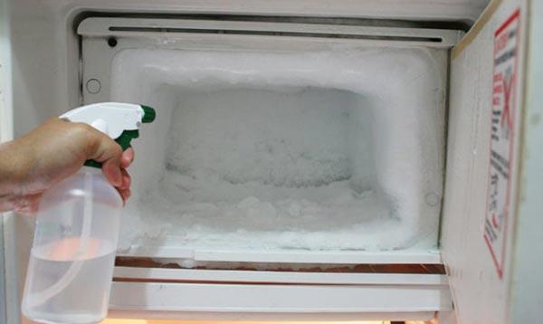 Как убрать лед в холодильнике